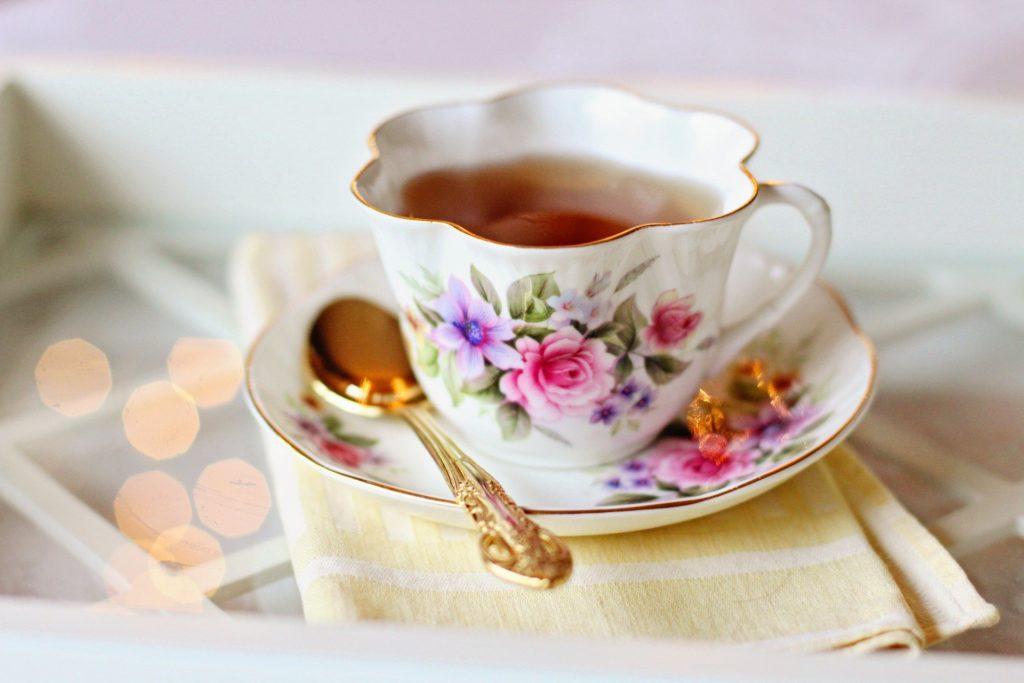 tea shop date